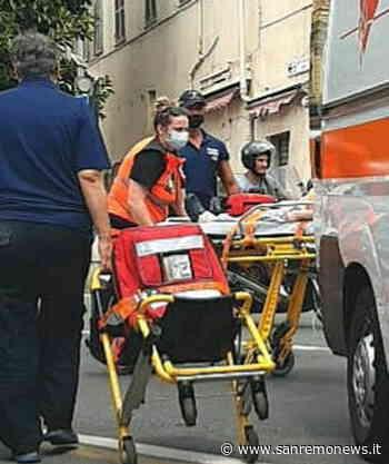 Sanremo: donna in crisi respiratoria al mercato, soccorsi del 118 e della Municipale (Foto) - SanremoNews.it