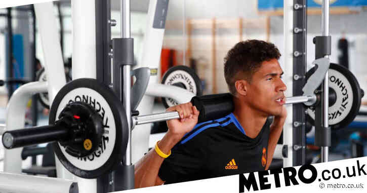 Manchester United face delay in completing Raphael Varane transfer