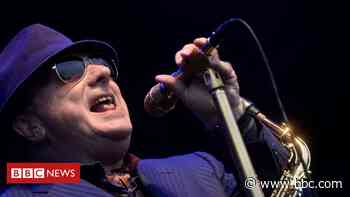 Coronavirus: Sir Van Morrison ends legal action over live music ban - BBC News