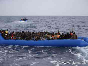 Motovedette portano a terra altri 424 clandestini