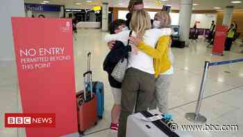 Covid in Scotland: Families reunited as quarantine rules relaxed - BBC News