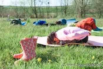 """Gents doctoraatsstudente Laurence (26) leert peuters en kinderen yoga: """"Zo hun fantasie prikkelen"""""""