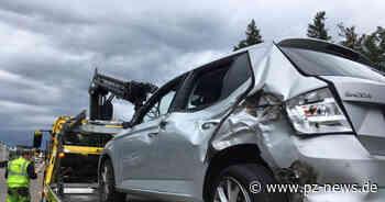 Schwerer Unfall auf A8 bei Karlsbad: Rettungshubschrauber im Anflug, kilometerlanger Rückstau - Pforzheimer Zeitung