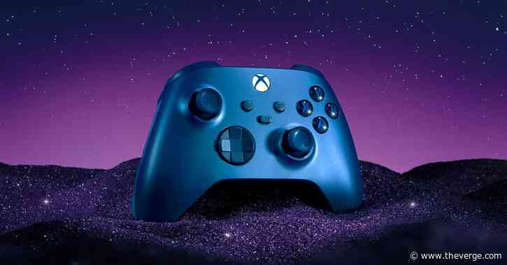 Microsoft's newest Xbox controller is a dazzling blue and has rubber side grips