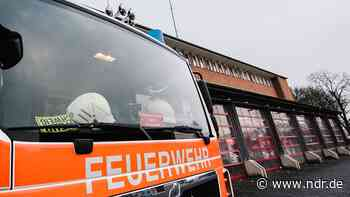 Auto in Elze explodiert - 48-Jähriger schwer verletzt - NDR.de