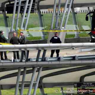 Pentagon tijdlang afgegrendeld na schoten bij bus- en metrostation: 'Politieagent overleden'