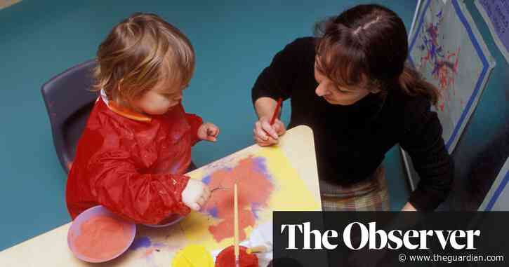 Nurseries in England feeling the pressure as 'pingdemic' hits children and staff