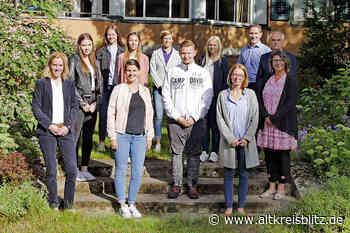 12 neue Auszubildende starten bei der Stadt Burgdorf - AltkreisBlitz
