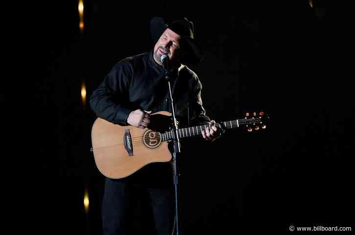 Garth Brooks to Re-Evaluate Stadium Tour Amid Surging Pandemic