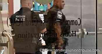 Oficial muere apuñalado en estación cerca del Pentágono - San Diego Union-Tribune en Español