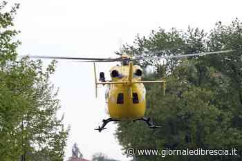 Un volo di 4 metri, mentre pota la siepe - Giornale di Brescia