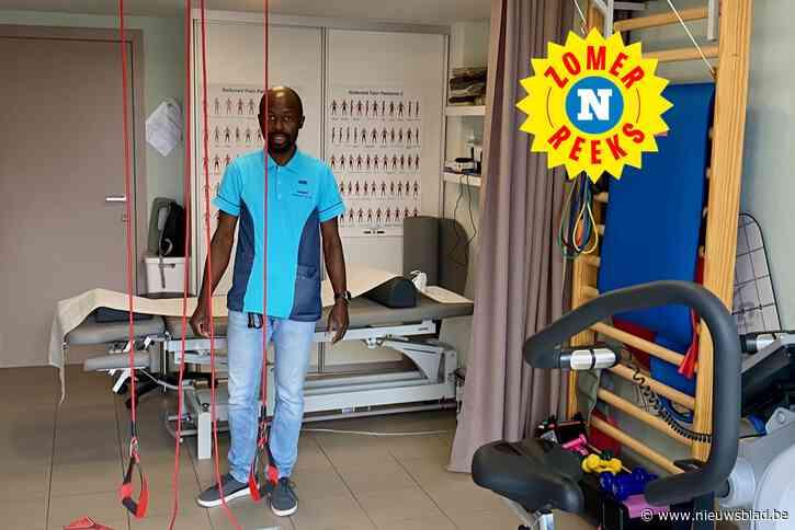 """Hij verliet Kameroen om in Nederland te studeren, maar Peter (41) heeft nu eigen praktijk in... Mere: """"De liefde bracht mij hier"""""""