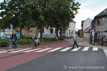 Eerste fietsstraat maakt fietsen in centrum pak veiliger en biedt ook meer terrasruimte