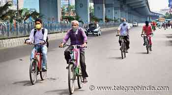 Police oppose cycling lanes, cite too little road space and chaotic traffic - Telegraph India