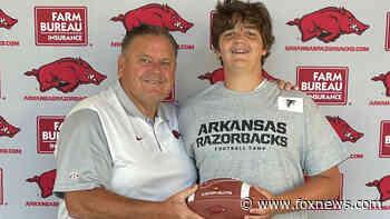 13-year-old college football hopeful hangs billboard to grab attention of Arkansas Razorbacks coach - Fox News
