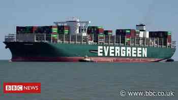 Ever Given: Time-lapse video captures Felixstowe arrival