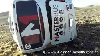 Volcó colectivo que viajaba de Perito Moreno hacia El Calafate - El Diario Nuevo Dia