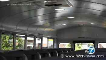 Santa Ana Charter School agrega luces LED antibacterianas a los autobuses para ayudar a combatir el COVID-19 - Over Karma