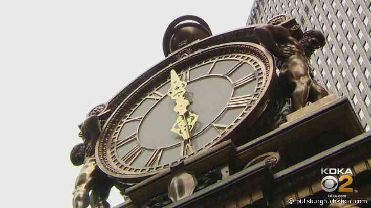 Iconic Kaufmann's Clock Being Regilded