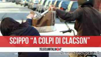 Aversa, scippo della borsa con l'inganno del clacson: derubata una donna - Teleclubitalia.it