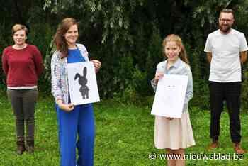 Lenthe (12) laat haar gestorven konijntje Pluisje herleven als mascotte voor de jeugd in Hamme