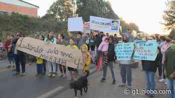 Moradores de ocupação protestam contra reintegração de posse em Passo Fundo - G1