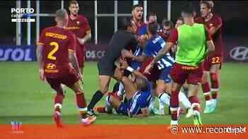 Entrada de Pepe sobre Mkhitaryan origina o caos no FC Porto-Roma - Record
