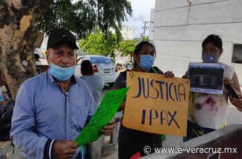 Denuncian abuso de autoridad del IPAX por detener a joven en Chinameca | e-consulta.com 2021 - e-consulta Veracruz
