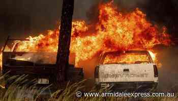 Fast-moving fire engulfs California town - Armidale Express