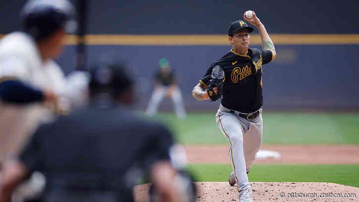 Rowdy Tellez's Pinch-Hit Home Run Puts Down Pirates