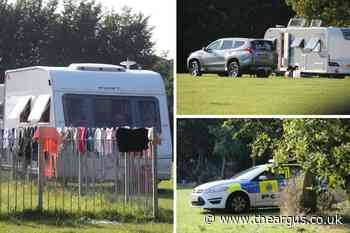Group of Travellers seen to set up camp at Linden Park