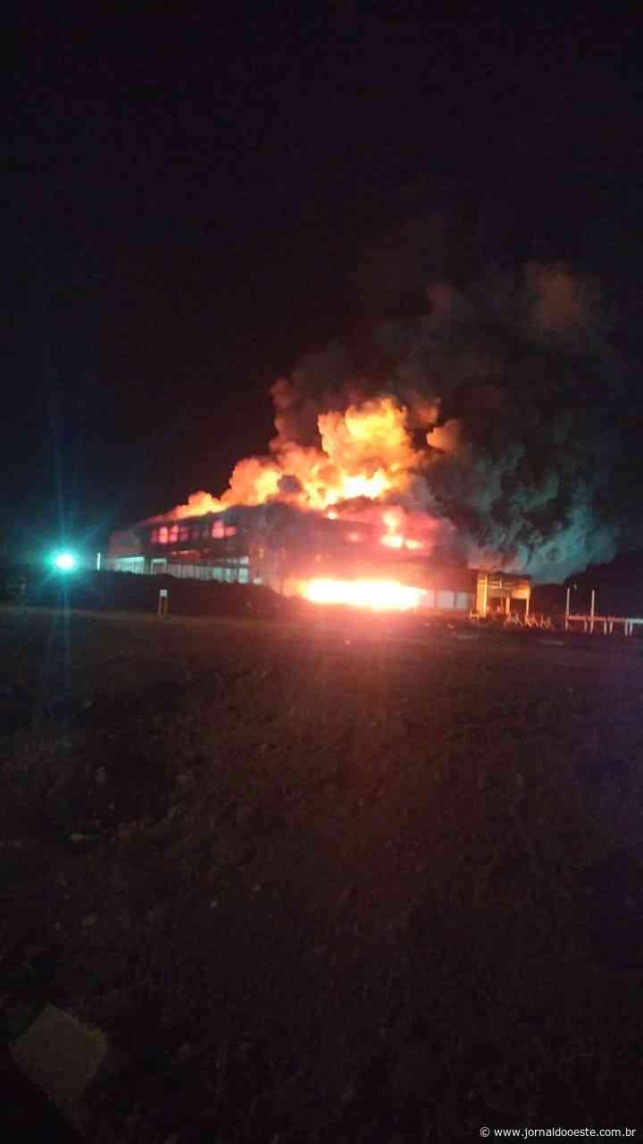 Incêndio atinge obras da fábrica da Frimesa em Assis agora (4) – Jornal do Oeste - Jornal do Oeste