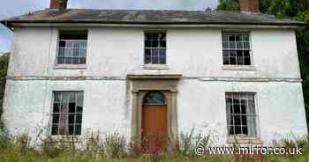 Eerie abandoned home left frozen in time 'looks like a relic from the 1950s'