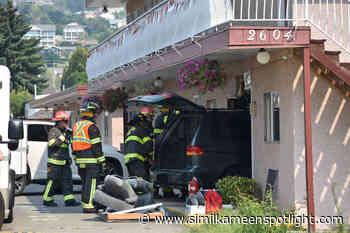 Vehicle crashes into Penticton motel – Princeton Similkameen Spotlight - Similkameen Spotlight