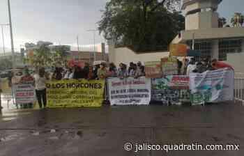 Se manifiestan en mañanera presidencial en Puerto Vallarta - Quadratín Jalisco
