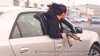 En video: sacó un rifle AK-47 desde su auto en San Francisco - Telemundo Area de la Bahia