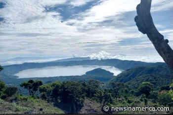 La belleza del lago de Coatepeque vista desde las alturas de la ruta al Cerro Verde - Spanish Version - Periódico Digital Centroamericano y del Caribe