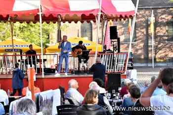 Kuurnenaar Herbert Verhaeghe zorgt voor sfeer bij vierde zomerconcert - Het Nieuwsblad