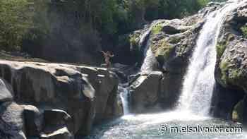 Se viraliza en TikTok video sobre contaminación en las cascadas de Atiquizaya - elsalvador.com