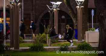 San Martín inauguró nueva luminaria en Plaza Italia - mendozapost.com