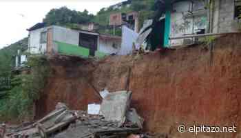 Otras cuatro casas colapsaron en sector Tanquesitos de Guarenas tras lluvias del #11Ago - El Pitazo