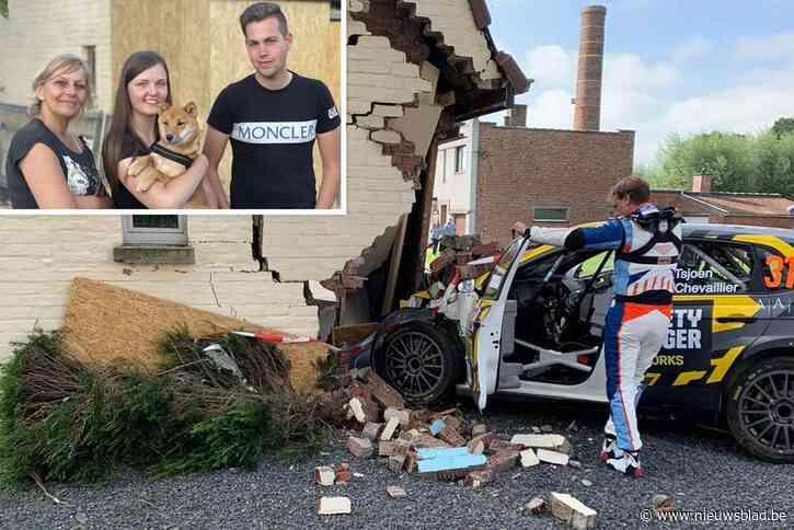 """Rallywagen rijdt nieuwe garage kapot: """"Een enorme klap en dan dat onwezenlijk moment: is dit nu écht gebeurd?"""""""
