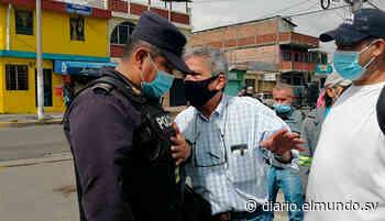 Denuncian más de 500 despidos en alcaldía de Soyapango Les aseguran que los despiden porque pertenecen a otros partidos políticos. - Diario El Mundo