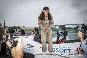 Zara (19) vertrokken in poging als jongste vrouw ooit de wereld rond te vliegen