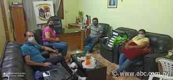 Ediles siguen atrincherados en despacho del intendente de Arroyos y Esteros - ABC Color