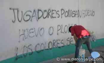 La barra de Desamparados negó la autoría de la pintada que apareció en el club - Diario Huarpe