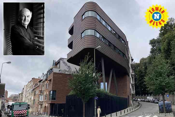 """Architect bouwde voor zichzelf in de stad een paalwoning met zes verdiepingen: """"Ik vond het zelf ook eerst een eigenaardig ontwerp"""""""