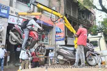 Viral di Twitter, Seorang Pengendara dan Motornya Diderek di Pune - Zona Priangan - Zona Priangan