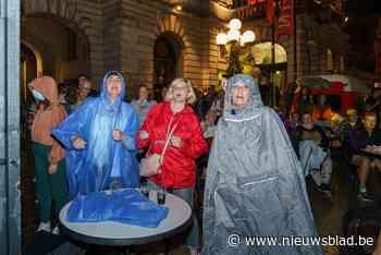 Singing and dancing in the rain: slecht weer belette ons niet om zaterdagavond uit de bol te gaan