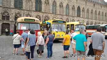 bussen NostalBusRally Oudenaarde houden even halt in Ieper - Focus en WTV